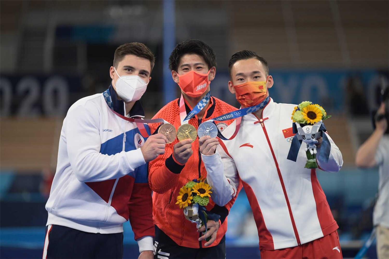 Zlato na OH vo finále viacboja mužov ostáva doma
